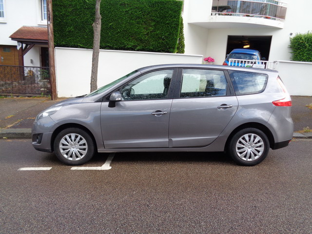 RENAULT GRAND SCENIC 7 PLACES DCI 69000 KMS